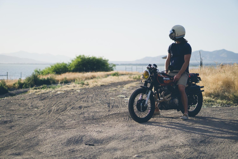 Balade à moto sur la route des vins