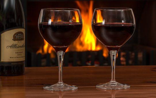Quel aliment peut-on manger avec du vin rouge ?